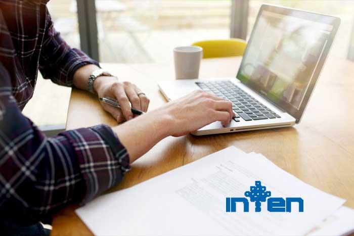 طراحی یک سایت دو زبانه برای فروش محصولات